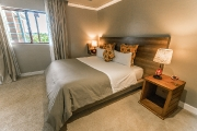 Twin/double bed room of the Family Suite